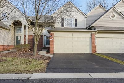Farmington Hills Condo/Townhouse For Sale: 38454 Lynwood Court