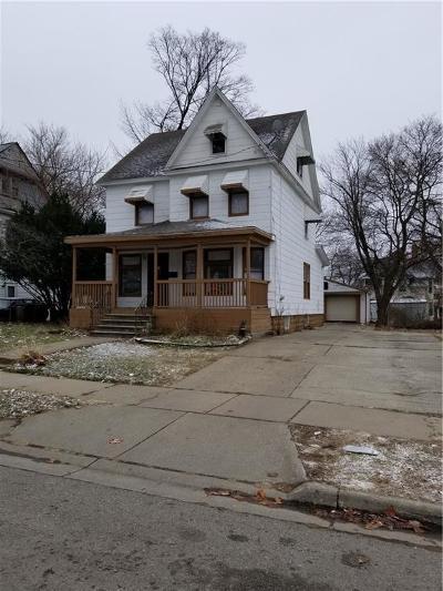 Pontiac Single Family Home For Sale: 56 Mathews Street