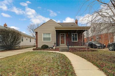 Dearborn Single Family Home For Sale: 7243 Fenton Street