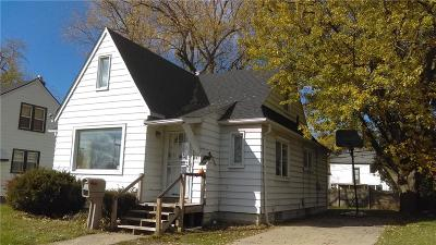 Pontiac Single Family Home For Sale: 881 N Perry Street