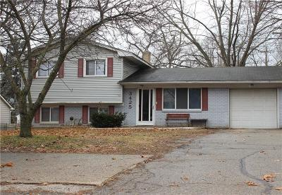 Waterford Twp, Commerce Twp, Walled Lake, Northville, Novi Single Family Home For Sale: 3425 Airport Road