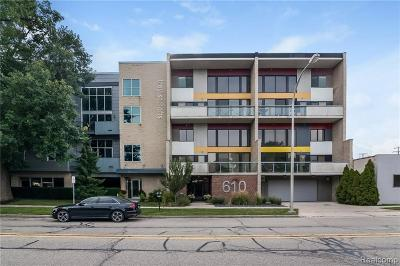 Royal Oak Condo/Townhouse For Sale: 610 S Troy Street #203