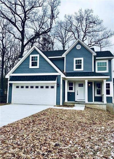 Waterford Twp Single Family Home Contingent - Continue To Show: 4511 Sedum Glen