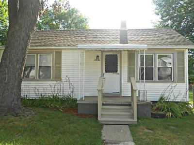 Ferndale Single Family Home For Sale: 2356 McDowell Street