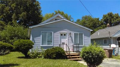 Pontiac Single Family Home For Sale: 450 S Marshall Street