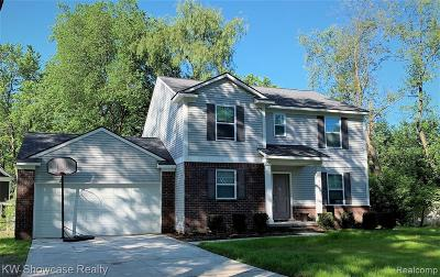 West Bloomfield Twp Single Family Home For Sale: Playstead Street