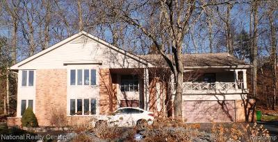 West Bloomfield Twp Single Family Home For Sale: 3132 Bloomfield Park Drive