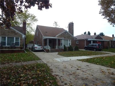 Dearborn Heights Single Family Home For Sale: 6951 Fenton Street