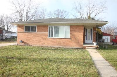 St. Clair Shores, Harrison Twp, Roseville, Clinton Twp Single Family Home For Sale: 27909 Shock Street