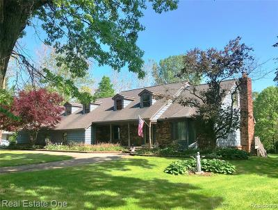 Shelby Twp Single Family Home For Sale: 5111 Hampshire Drive