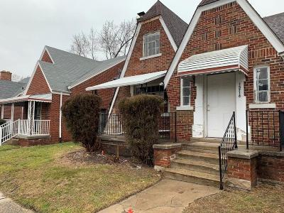 Detroit Single Family Home For Sale: 15716 Manor Street
