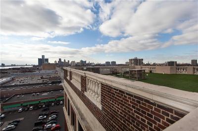 Detroit Condo/Townhouse For Sale: 2900 E Jefferson Avenue
