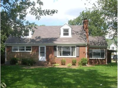 West Bloomfield Twp MI Single Family Home For Sale: $539,000