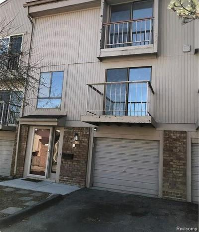 Rochester Hills, Rochester Condo/Townhouse For Sale: 805 Oak Brook Ridge Drive #126