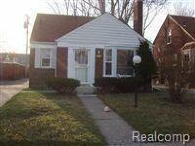 Detroit Single Family Home For Sale: 18085 Murray Hill