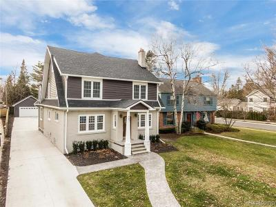 Grosse Pointe Single Family Home For Sale: 687 Washington Road