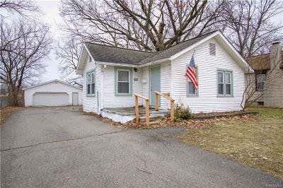 Waterford Twp, Commerce Twp, Walled Lake, Northville, Novi Single Family Home For Sale: 1011 La Salle Avenue