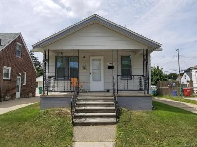 Eastpointe Single Family Home For Sale: 23783 Rein Avenue