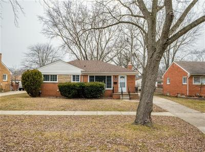 Livonia Single Family Home For Sale: 16005 Harrison Street