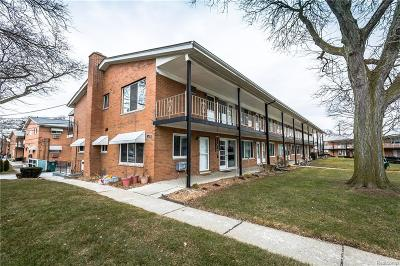 Royal Oak Condo/Townhouse For Sale: 2121 Clawson Avenue #101
