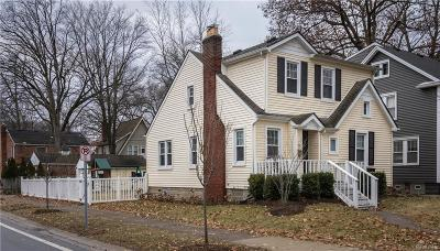 Pleasant Ridge Single Family Home For Sale: 34 Devonshire Road