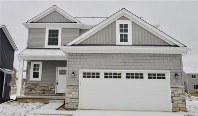 Holly Twp, Holly Vlg, Holly Single Family Home For Sale: 376 Beaver Run Drive