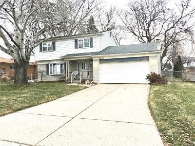 Clinton Twp Single Family Home For Sale: 16845 Tremlett Drive
