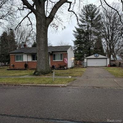 Livonia Single Family Home For Sale: 18180 Deering Street
