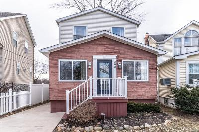 Novi Single Family Home For Sale: 303 Duana Street