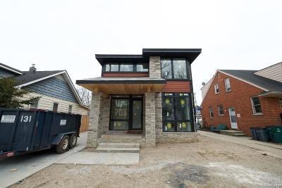 Ferndale Single Family Home For Sale: W Maplehurst Street