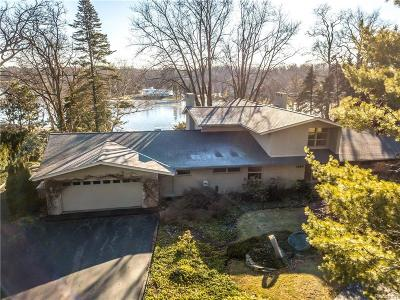 Bloomfield Twp Single Family Home For Sale: 1589 Kirkway Road
