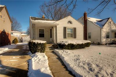 Dearborn MI Single Family Home For Sale: $105,000
