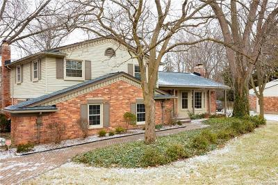 Bloomfield Twp Single Family Home For Sale: 3688 Darcy Drive