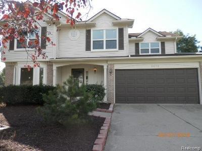 West Bloomfield Single Family Home For Sale: 2572 W Bloomfield Oaks Drive