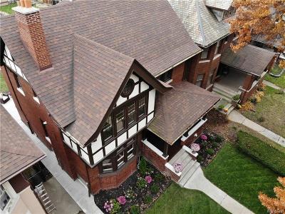 Detroit Single Family Home For Sale: 811 Longfellow Street