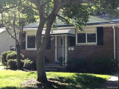 Royal Oak Single Family Home For Sale: 1203 Cedarhill Drive