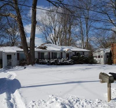 Clarkston, Lake Orion Vlg, Orion Twp, Independence Twp, Oxford Twp, Oxford Vlg Single Family Home For Sale: 5261 Eastview Road