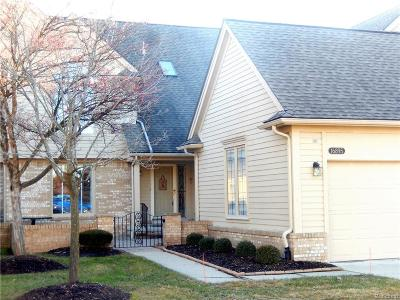 Macomb Twp Condo/Townhouse For Sale: 16895 Sandstone Circle
