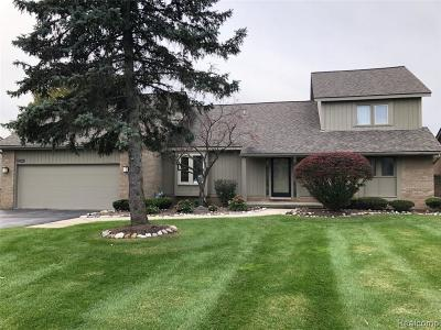 West Bloomfield Condo/Townhouse For Sale: 5620 Ridgewood