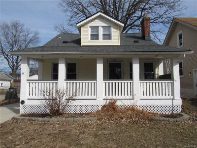 Royal Oak Single Family Home For Sale: 625 Frederick Street