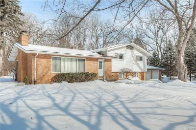 Rochester Hills Single Family Home For Sale: 1460 Stockport Drive