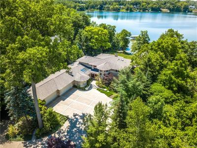 Orchard Lake Single Family Home For Sale: 4811 Old Orchard Trail