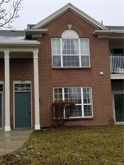 Commerce, Commerce Township, Commerce Twp Condo/Townhouse For Sale: 11104 Farmingdale Lane
