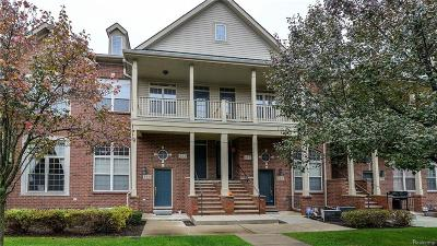 Walled Lake Condo/Townhouse For Sale: 421 Old Pine Way