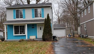 Waterford Twp Single Family Home For Sale: 3544 Fort Drive