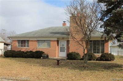 Garden City, Westland, Plymouth Twp, Canton Twp Single Family Home For Sale: 1524 Lathers St