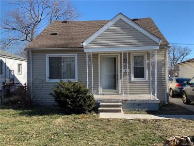 St Clair Shores, Roseville, Fraser, Harrison Twp Single Family Home For Sale: 27844 Oneil Street
