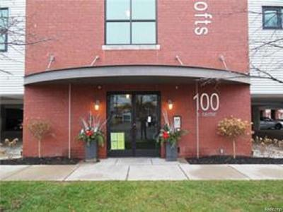 Royal Oak Condo/Townhouse For Sale: 100 N Center Street #306