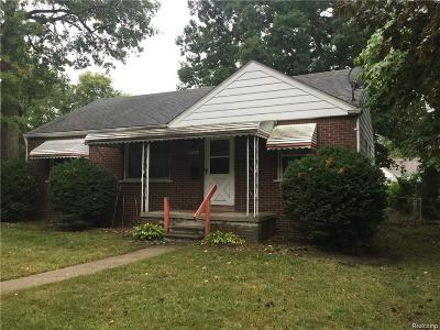 Hazel Park Single Family Home For Sale: 1044 E Robert Avenue