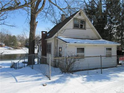 White Lake Single Family Home For Sale: 65 Mill Street